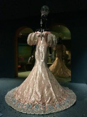 Lantern sleeve gown Guo Pei