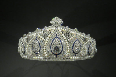 Cartier Indian tiara, 1923. Platinum, diamonds, sapphires and pearls