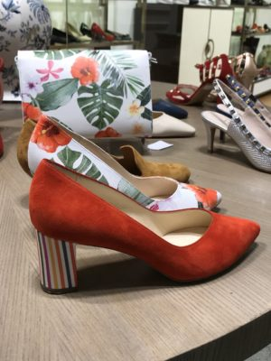 Statement shoes in red- orange suede