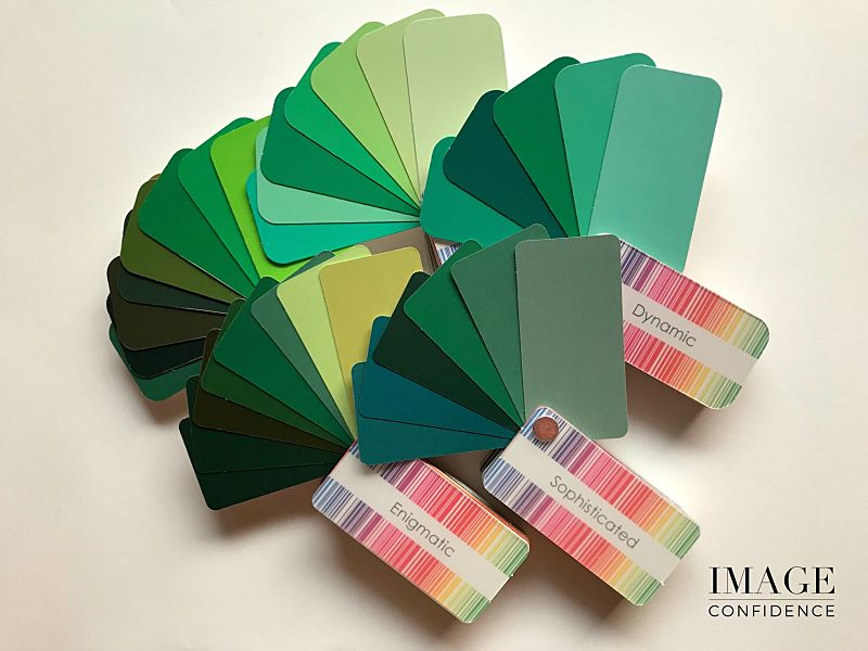 Display of different shades of green from 5 colour swatches