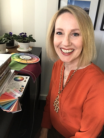 Ann Vodicka personal colour analysis expert doing an online colour consultation